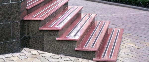 Carrelage escalier bicolore